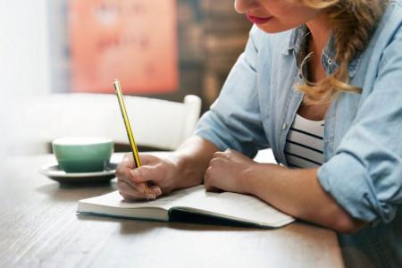 چگونه می توانیم زندگینامه بنویسیم؟