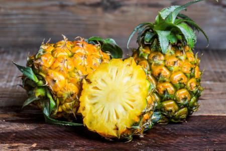 آموزش مرحله به مرحله پوست کندن آناناس