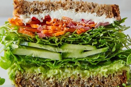طرز تهیه ۷ نوع ساندویچ گیاهی ساده و خوشمزه