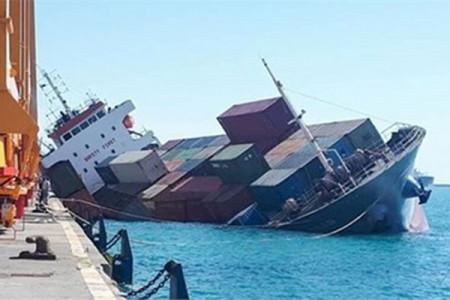 حادثه کشتی بندر امام خمینی