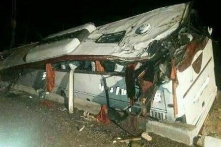 واژگونی مرگبار اتوبوس در جاده نیشابور مشهد