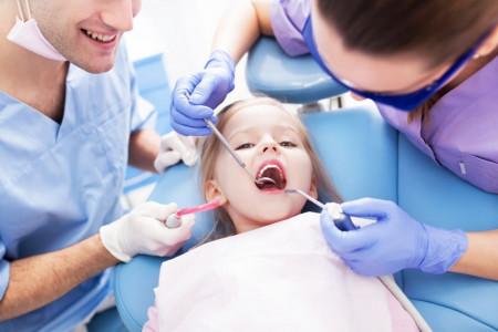 تاریخ روز دندانپزشک در تقویم ۹۹ چه روزی است ؟