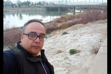 علی ابوالحسنی کیست ؟