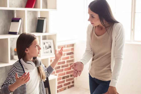 نحوه برخورد والدین با دختر نوجوان