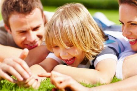 آموزش بازی با کودکان،بازی با کودک برای افزایش سرعت عمل و تمرکز