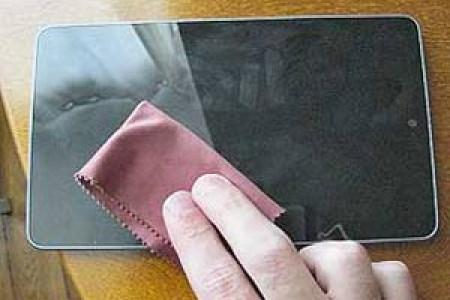 روش تمیز کردن صفحه گوشی و لپتاپ .