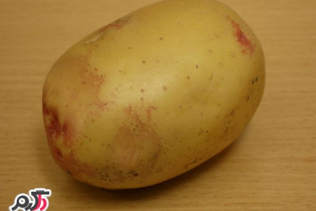 خطرات خوردن بعضی از سیب زمینی ها را جدی بگیرید!