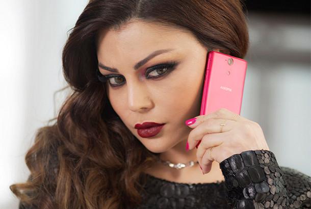 بیوگرافی کامل زیباترین خواننده زن عرب هیفا وهبی+عکس