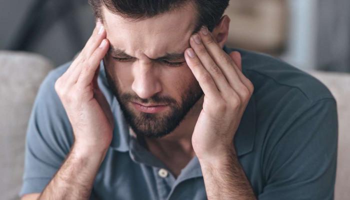 علت سردرد همراه با حالت تهوع و چشم درد