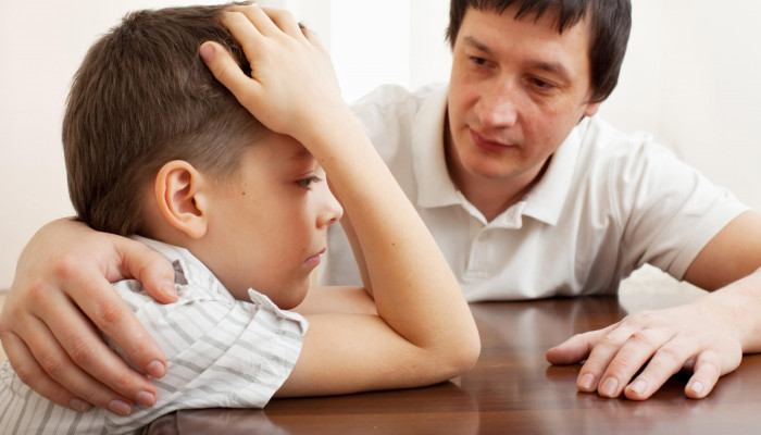 شیوه ی صحیح صحبت با کودک در مورد مرگ یا طلاق