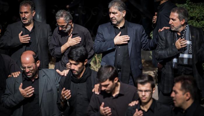 تصاویر عزاداری و اقامه نماز ظهر عاشورا در تبریز
