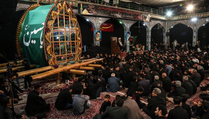تصاویر عزاداری ایام محرم در حسینیه ایران یزد