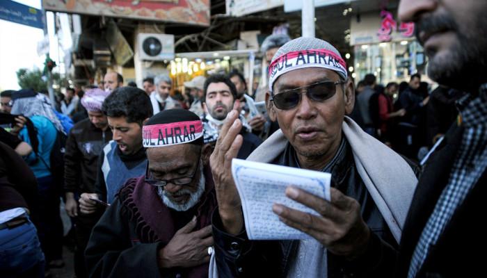 تصاویر حال و هوای کربلای معلی در ایام اربعین حسینی  -  راهپیمایی اربعین ۴۹