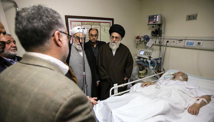 تصاویر عیادت رهبر انقلاب اسلامی از آیت الله موسویاردبیلی