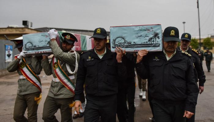 تصاویر استقبال از پیکر ۱۱ شهید گمنام در شیراز
