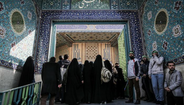 تصاویر تشییع و خاکسپاری پیکر شهید گمنام در کوی دانشگاه تهران
