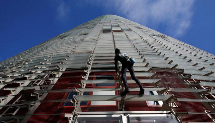 تصاویر بالا رفتن از آسمان ۳۸ طبقه
