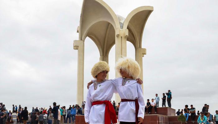 تصاویر بزرگداشت مختومقلی فراغی با حضور وزیر فرهنگ و ارشاد اسلامی