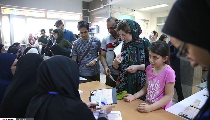 تصاویر حضور اقلیت های دینی در انتخابات
