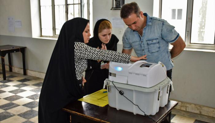 تصاویر انتخابات ریاست جمهوری و شورای اسلامی شهر وروستا در شهرستان آستارا