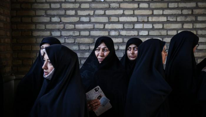 تصاویر آخرین ساعات رای گیری در شعب اخذ رای تهران -۲