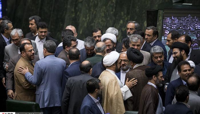 تصاویر نخستین جلسه علنی مجلس پس از حمله تروریستی تهران  -  21 خرداد 96