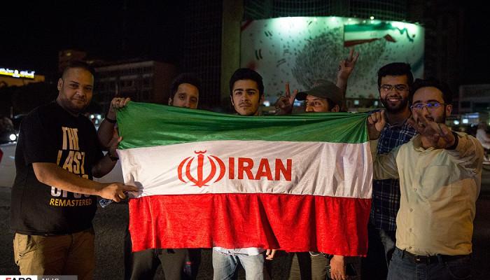 تصاویر شادی مردم پس از صعود ایران به جام جهانی روسیه - ۲