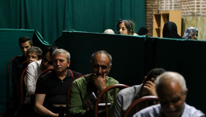 تصاویر مراسم احیای شب نوزدهم ماه رمضان در امامزاده سید حمزه (ع)  تبریز