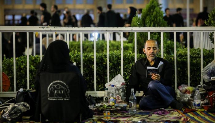 تصاویر مراسم احیای شب بیست و یکم ماه رمضان در مصلی امام خمینی (ره)