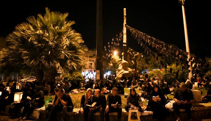 تصاویر مراسم احیای شب بیست و سوم ماه رمضان در مسجد امام صادق