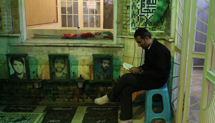 تصاویر مراسم احیای شب بیست و سوم ماه رمضان در امام زاده علی اکبر(ع)