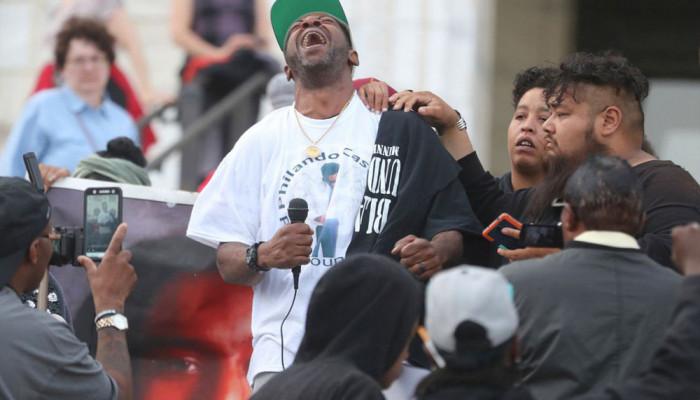 تصاویر اعتراض به تبرئه پلیس قاتل در آمریکا