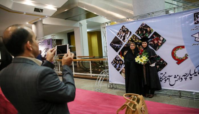 تصاویر جشن فارغ التحصیلی دانشجویان علوم پزشکی دانشگاه علوم پزشکی تهران