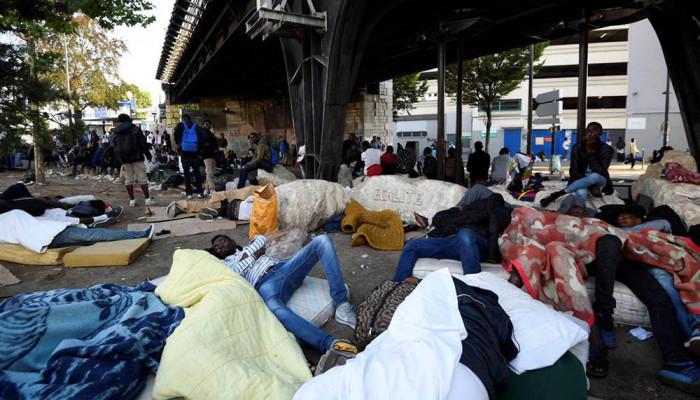 تصاویر تخلیه کمپ پناهجویان در پاریس