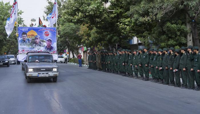 تصاویر تشییع پیکر سه شهید مدافع حرم در اراک