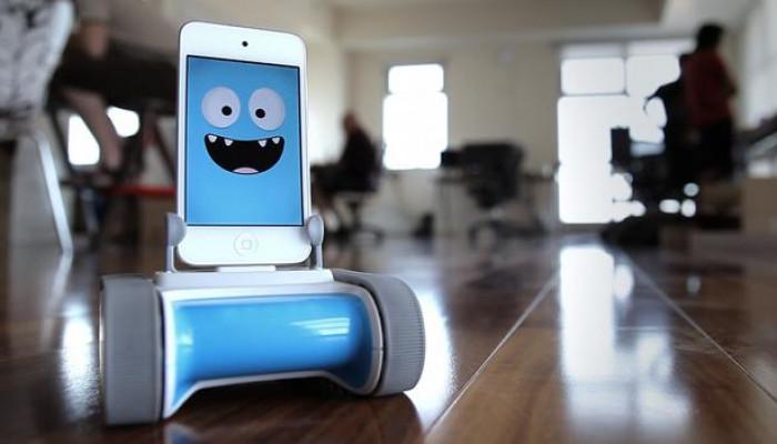 ربات ارزان قیمت و دوست داشتنی که توسط  گوشی های هوشمند شارژ می شود