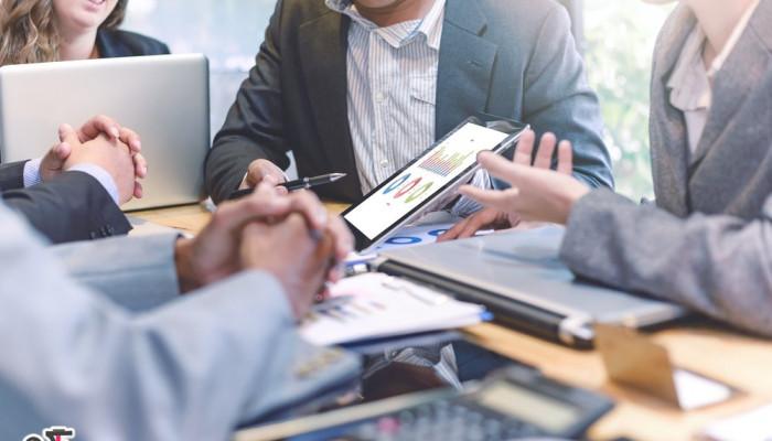 10 مزیت کار گروهی برای رسیدن به اهداف و موفقیت