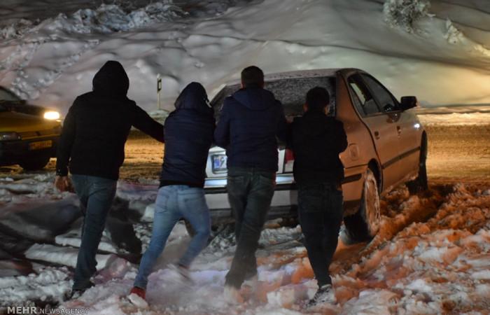 تصاویر بارش شدید برف در گردن حیران