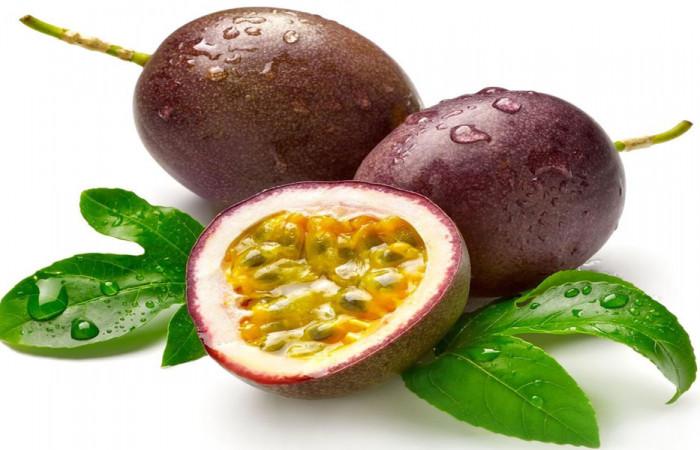 میوه پشن فروت (passion fruit)