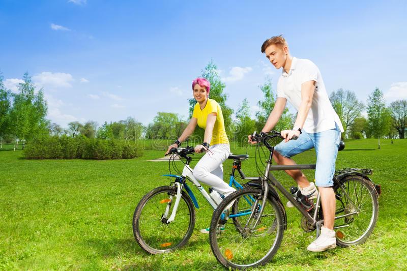 تاثیر دوچرخه سواری بر شادابی پوست