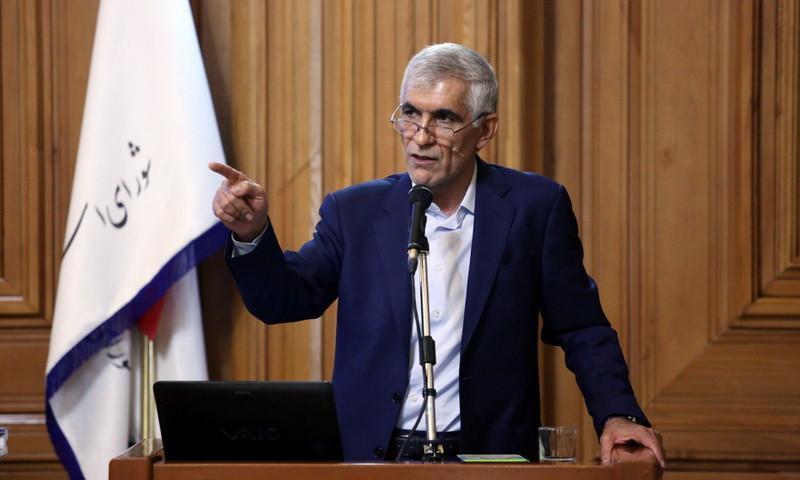 ماندن یا رفتن «شهردار تهران»؛ حرف آخر را چه کسی می زند