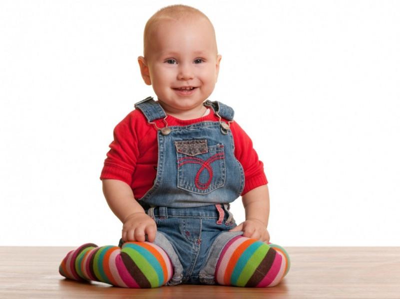 خطرات نشستن به شکل w در  کودکان