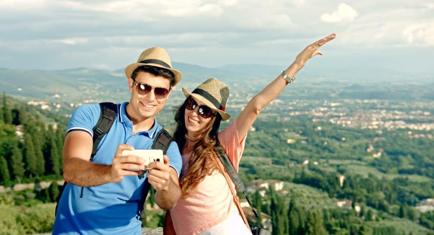 چگونه با همسرمان شاد زندگی كنيم/ نقش زن ومرد در شادی یکدیگر