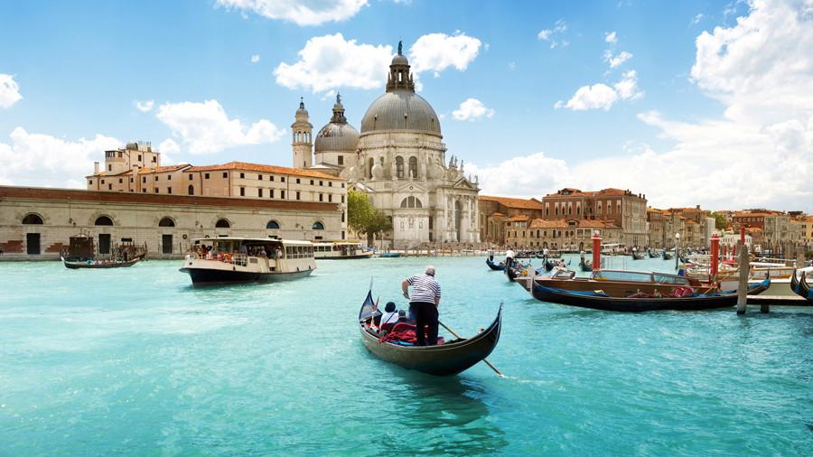 شهر آبی ونیز دیگر آب ندارد! گاندولا سواری هم رونقی ندارد!