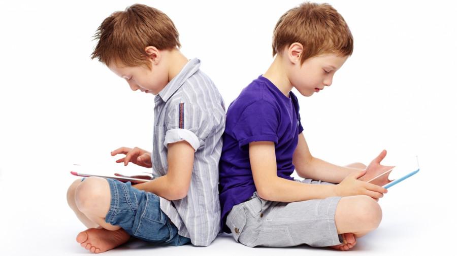 عوارض تبلت و موبایل برای کودکان