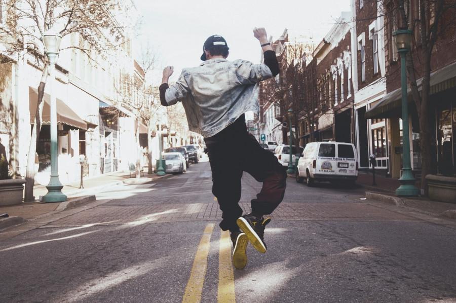 12 مزیت خارق العاده رقص و ورزش های جسمی برای شادابی روح