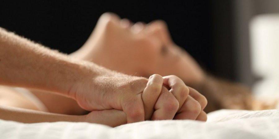اولین رابطه جنسی: ۱۰ نکته ای که برای اولین رابطه جنسی باید بدانید