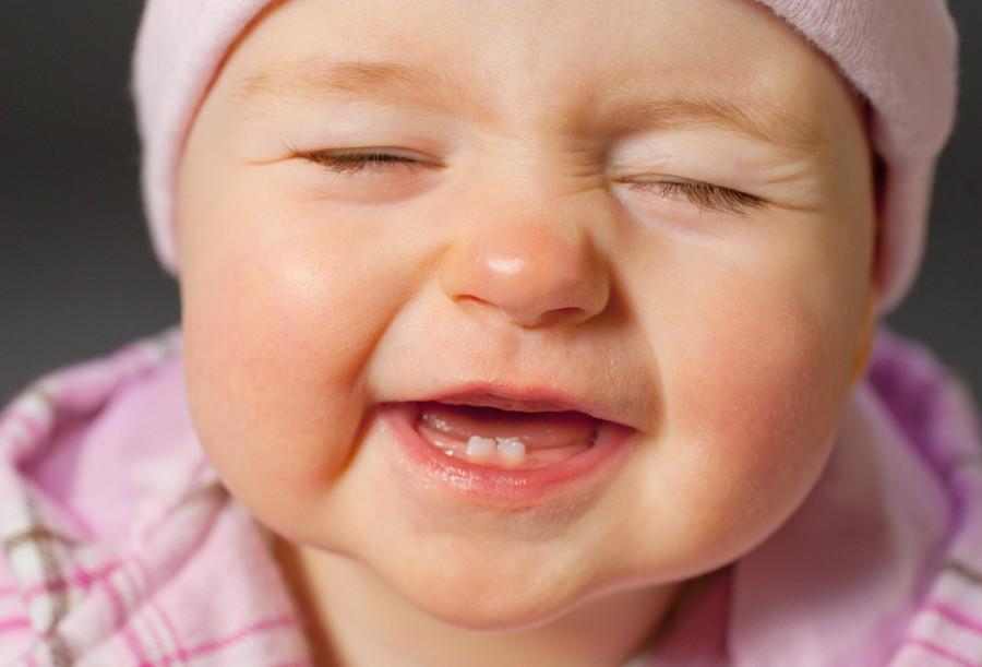 بهترین زمان دندان در آوردن نوزادان