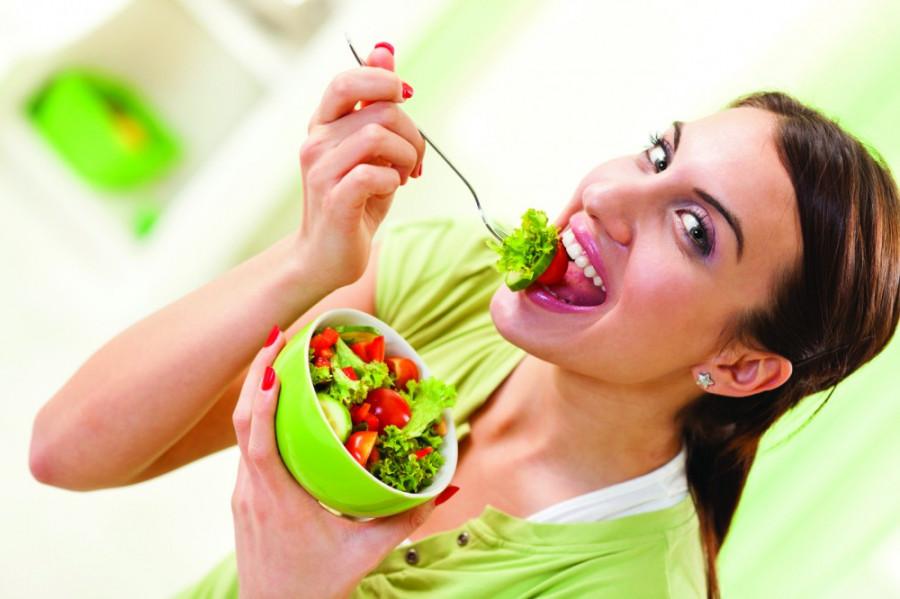 عوارض جبران ناپذیر مصرف زیاد کاهو در رژیم لاغری