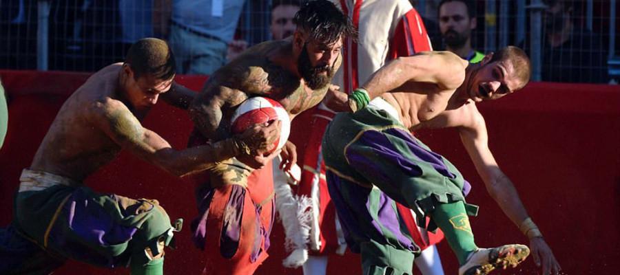 تصاویر فوتبال خونین در فلورانس ایتالیا